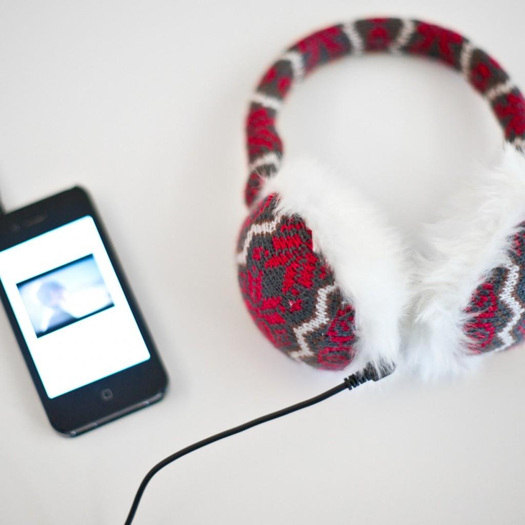 gebreide-oorbeschermers-met-koptelefoon-1a3