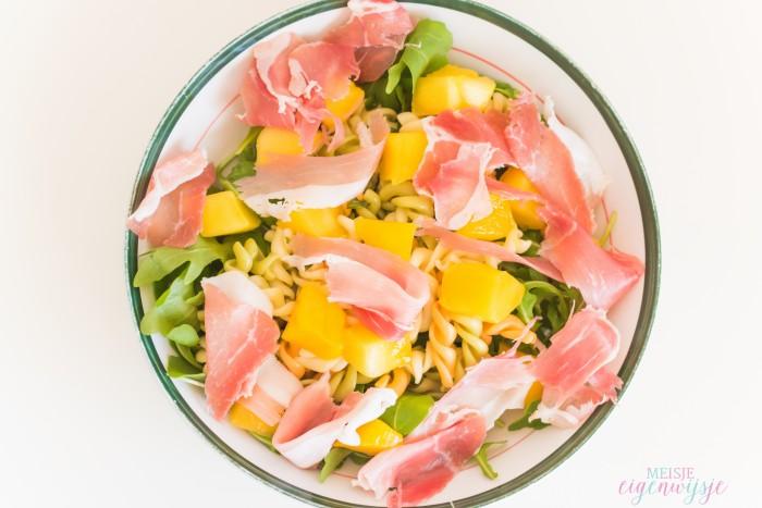 zomerse pastasalade mango