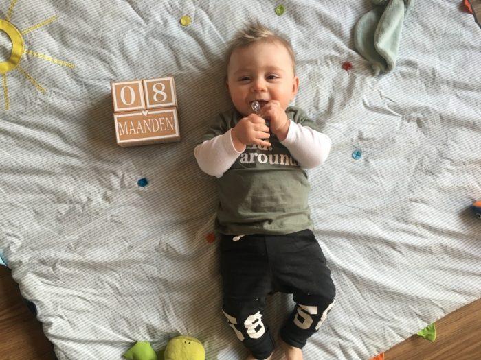 baby 8 maanden ontwikkeling
