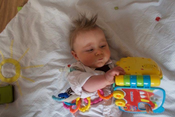 baby 9 maanden ontwikkeling voedingsschema