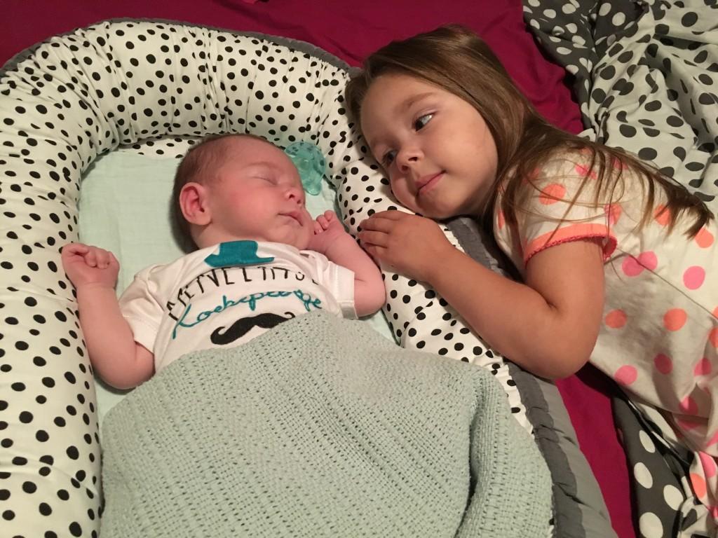 Je kind voorbereiden op de komst van een broertje of zusje