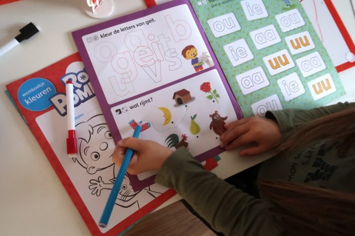Schooltje spelen van Rompompom
