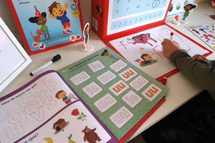 Speel en leer met Schooltje spelen van Rompompom