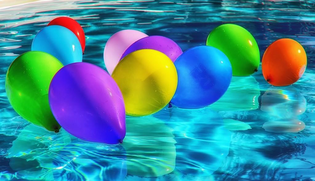 8ba3881249c04f Op het moment van schrijven is het vakantie en dus zijn we van plan om  regelmatig in het zwembad te leggen met onze kinderen.